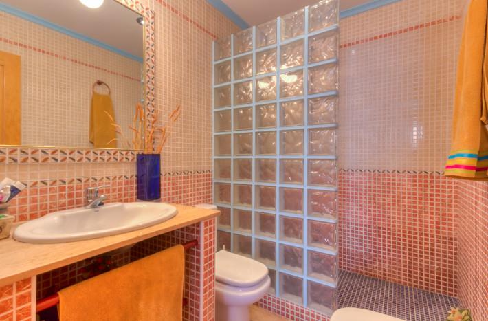 Cda468 appartement met lift parkeerplaats en berging spaanse woning - Ouderlijke suite met badkamer en kleedkamer ...