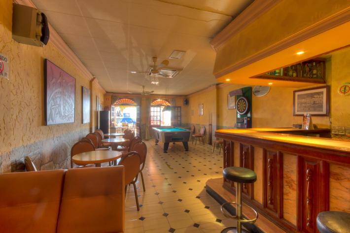 Cafe Bar Pub Te Huur